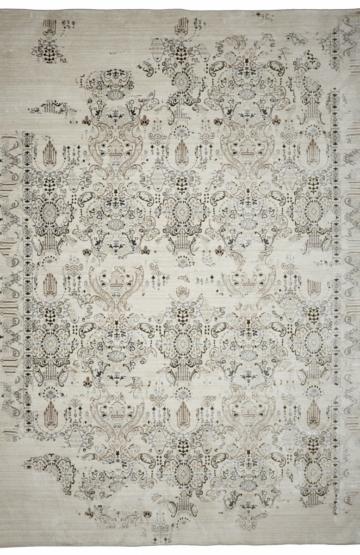 Grey transitional rug